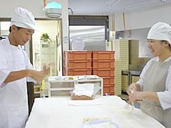 パン製作作業風景2